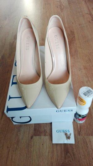 High Heels Stilettos Pumps von Guess Lackleder Lack beige sand nude Pfennigabsätze