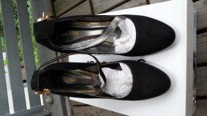 High Heels von Gino Rossi in schwarz mit Knöchelriemchen