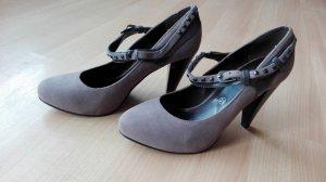 High Heels von Laura Scott