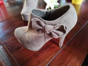 High Heels, Wildlederoptik, Hohe Schuhe, braun