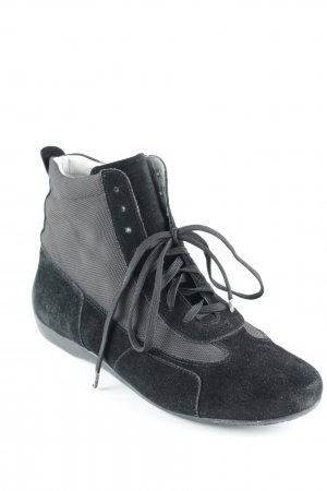Zapatillas altas negro look casual