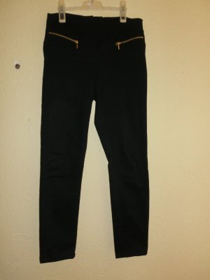 High Waist Jeans mit goldenen Applikationen