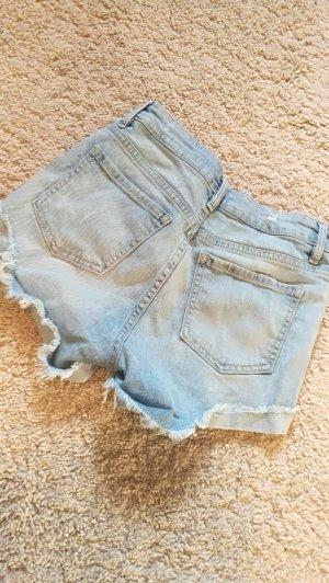 High Waist Jeansshorts destroyed