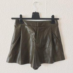 High-Waist Kunstleder Shorts