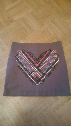 High-Waist Minirock mit Perlen und Nieten