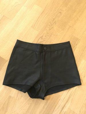 High-Waist Shorts aus glänzendem Stoff