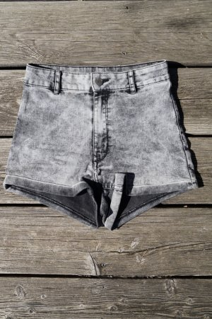 H&M Divided High-Waist-Shorts multicolored cotton