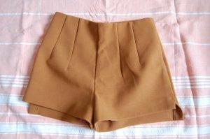 High-Waist Shorts, Kamel Barun, H&M Trend