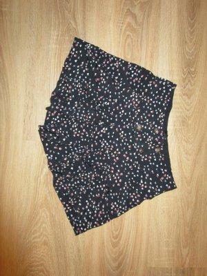 High Waist Shorts mit Herzchen Print
