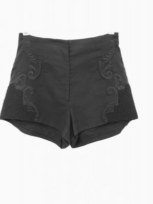 High Waist Shorts von H&M Conscious Exclusive mit Stickereien, Gr. 40
