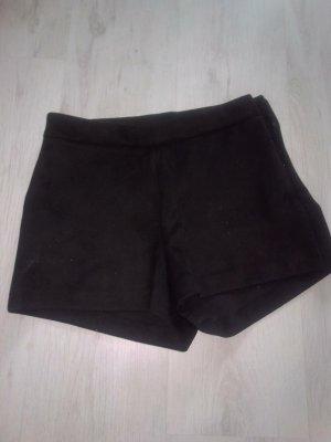 Zara High-Waist-Shorts black cotton