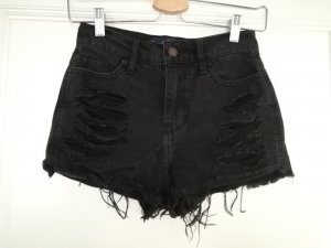 High Waisted Destroyed Shorts Gr. 00 / W23