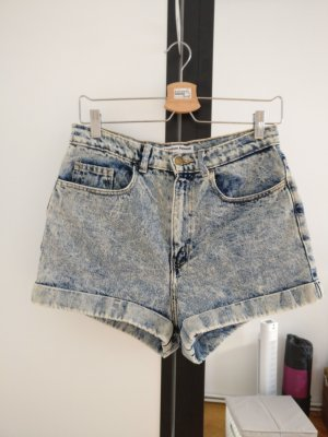 High Waisted Hot Pants Shorts im Acid Wash Look von American Apparel W29