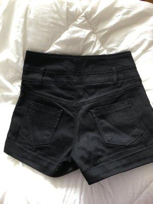 High waisted schwarze stoff shorts von miss selfridge