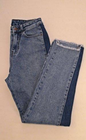 High-Wasted Straight-Leg Jeans in Größe 27