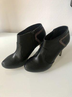 Highheel Ankle Boots mit tollem Absatz Gr. 40 neu