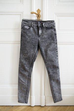 Highrise Cigarette Ankle Jeans von BDG