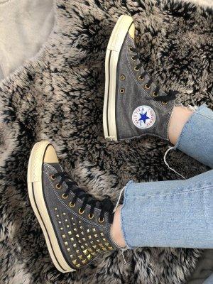 Hightop Chucks von Converse in Blaugrau mit Nieten