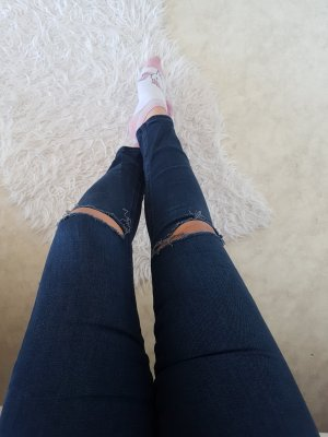 highwaist jeans mit rissen an den knien