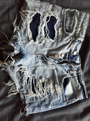 highwasted ripped shorts