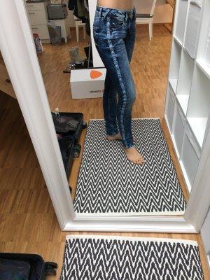 Hilfer Denim Jeans mit Applikation