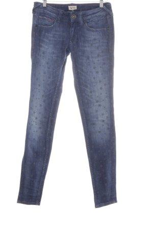 Hilfiger Denim Slim Jeans dunkelblau Sternenmuster Street-Fashion-Look