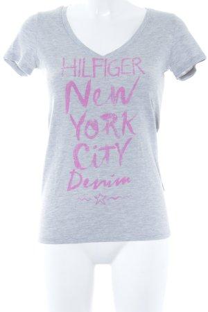 Hilfiger Denim T-Shirt hellgrau-pink platzierter Druck sportlicher Stil