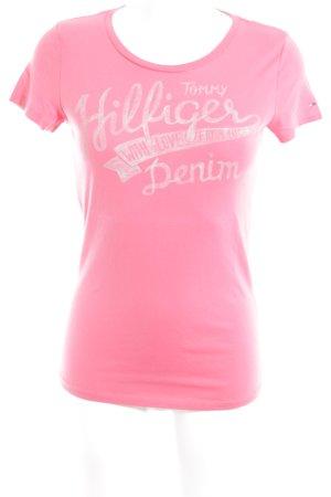 Hilfiger Denim T-Shirt himbeerrot-hellgrau Schriftzug gedruckt Casual-Look