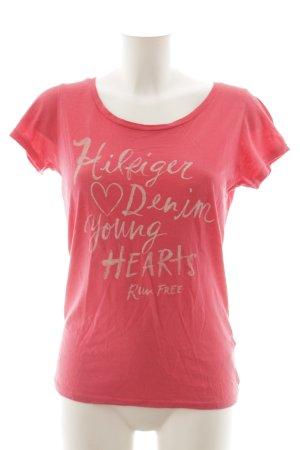 Hilfiger Denim T-Shirt himbeerrot Schriftzug gedruckt Casual-Look