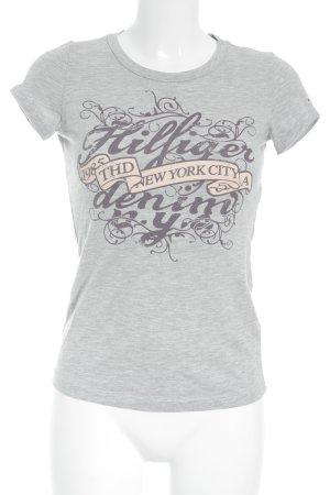 Hilfiger Denim T-Shirt Schriftzug gedruckt minimalistischer Stil