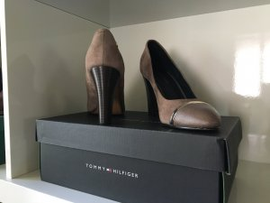 Hilfiger Pumps in taupe