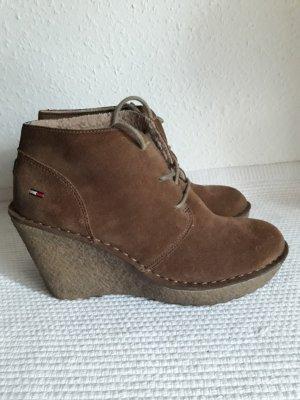 wholesale dealer 9aaba eedf7 Tommy Hilfiger Denim Wedge Booties bronze-colored
