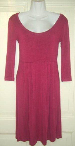 H&M Robe mi-longue rouge framboise