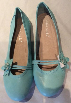 Himmelblaue Ballerinas