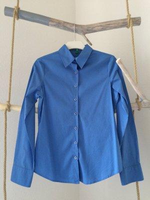 Himmelblaue Bluse von Benetton - schönen weiblichen Schnitt - 34