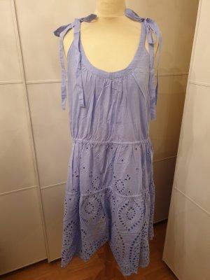 Himmelblaues Sommerkleid von Reserved