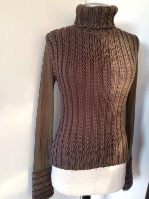 Hingucker - extravaganter Pullover mit transparentem Rücken