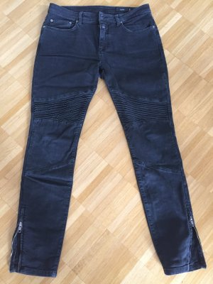 Hippe Closed Jeans im Bikerstil