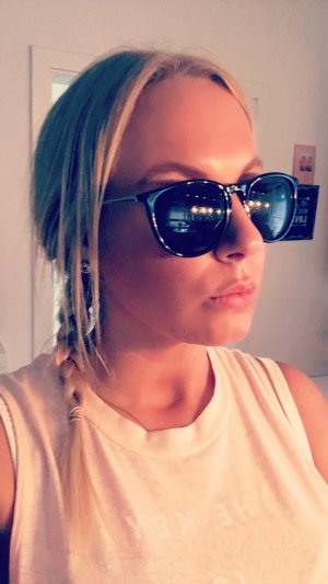 Hippe schwarze Sonnenbrille *NEU*