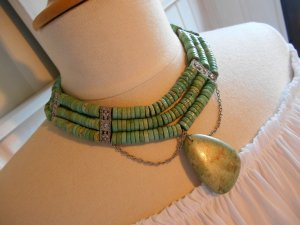 Collier Necklace lime-green-pale green