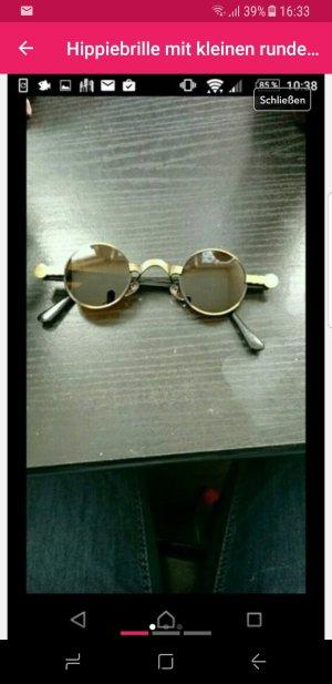 hippiebrille mit kleinen runden Gläsern