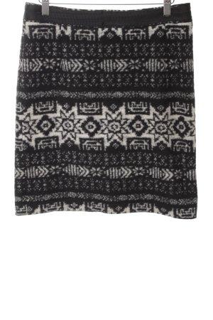 Hirsch Wollrock schwarz-weiß grafisches Muster Casual-Look