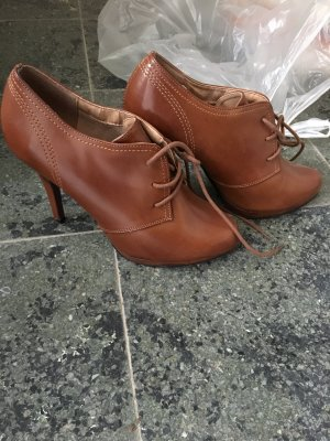Hochfront Pumps/ ankle Boots