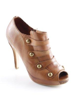 Chaussure à talons carrés cognac style rétro