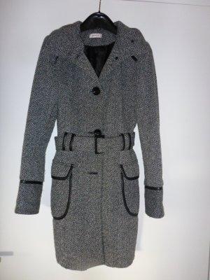 Hochgeschlossener Mantel in Wolloptik