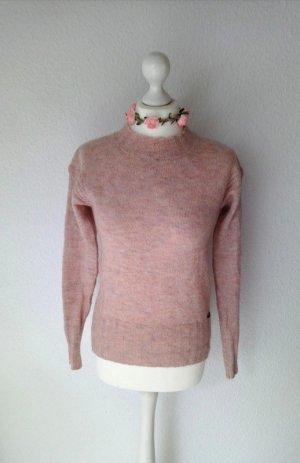 Hochgeschlossener Strickpullover von Nümph in rosa rosé