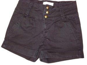 Hochgeschnittene Hot Pant