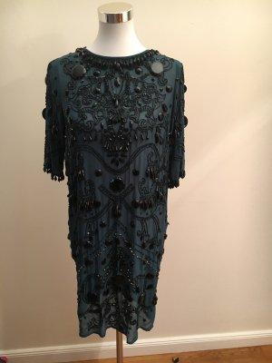 Hochwertig verziertes Kleid