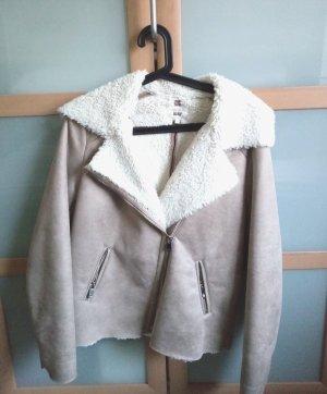 Hochwertige Fake Fur Jacke in Beige