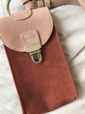 Hochwertige Handy Umhängetasche aus Veloursleder von Esprit